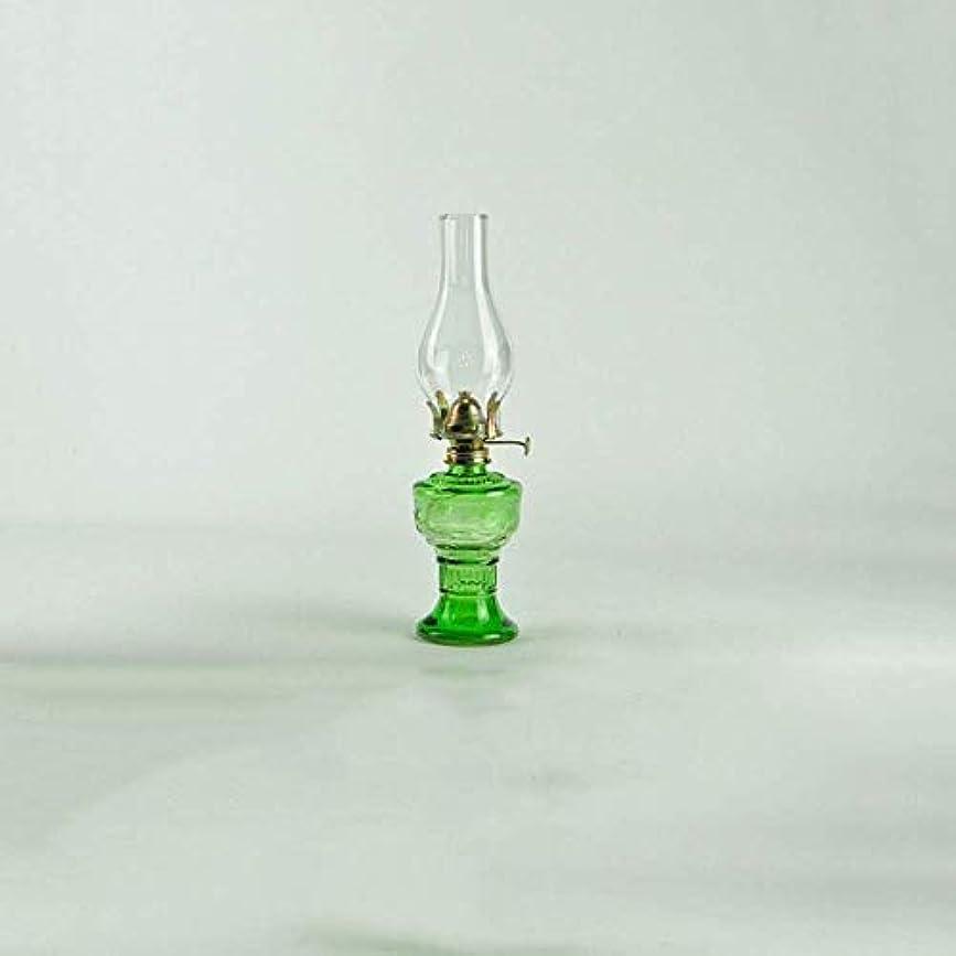 雇用者心理的試用伝統的なランタン灯油ランプレトロスタイル防風ガラスフィールドキャンプオイルランプ非常灯アンビエントライト照明装飾家庭用 (Color : Green)