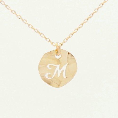 Initial M 18金製 K18 gold ゴールド (日本製 Made in Japan) (金属アレルギー対応) イニシャル 「M」 波型 プレート ペンダント ネックレス チェーン ジュエリー (Amazon.co.jp 限定) [HJ] (40 センチメートル)