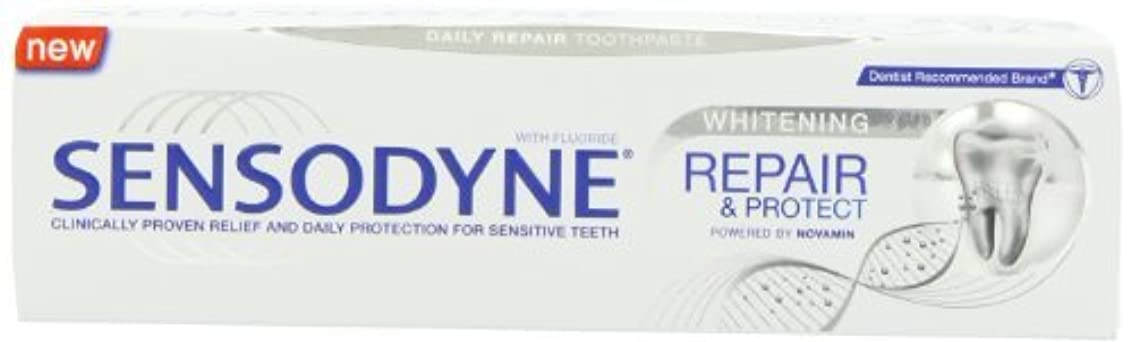 透明にゲスト吸い込むSensodyne Repair and Protect Whitening Toothpaste, 75ml by Sensodyne