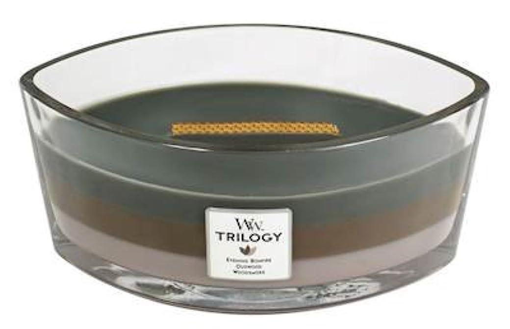 ショートカット定期的に驚くべきCozyキャビンTrilogy – Hearthwick Flame Scented Candle by WoodWick – 3 in 1つ
