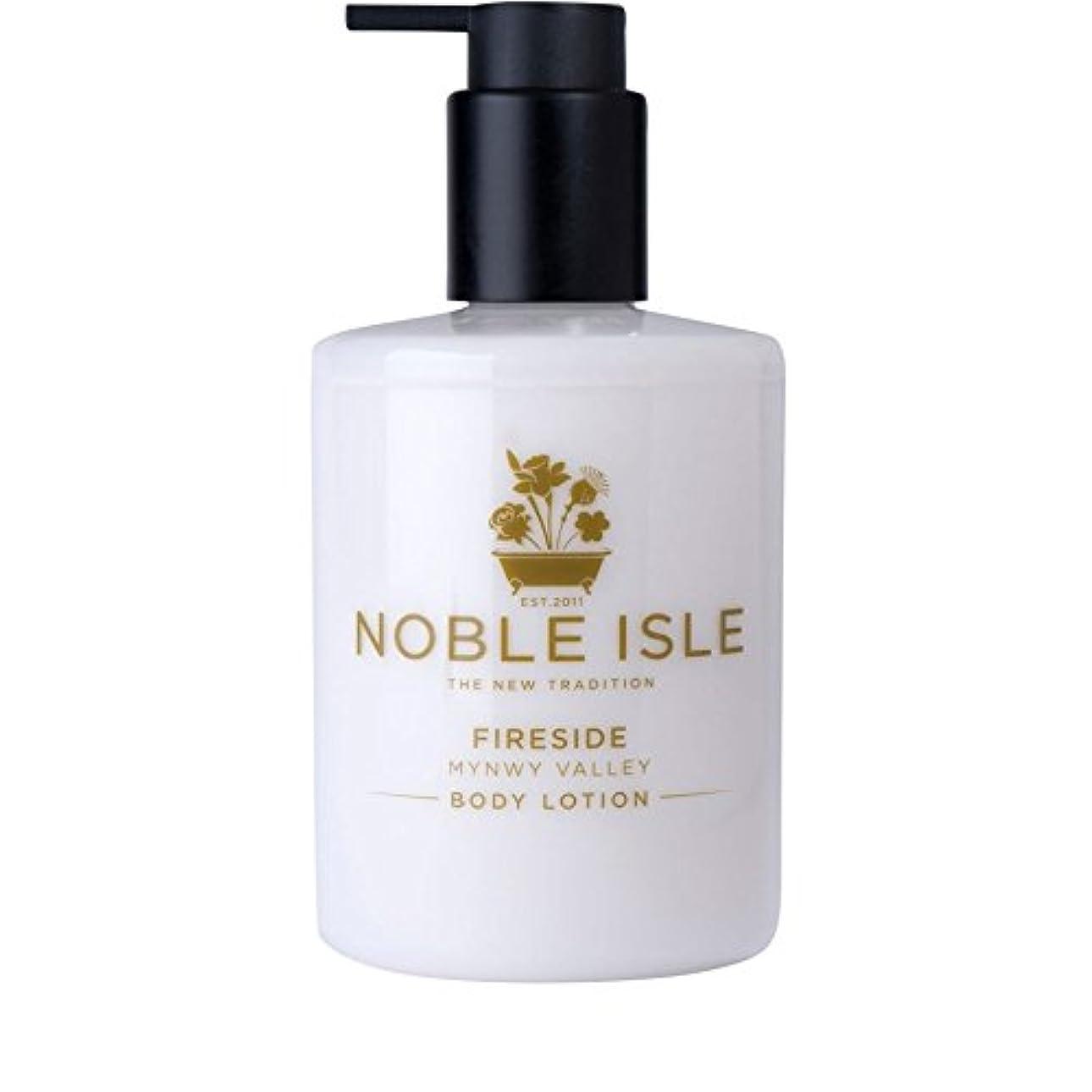 標高コンデンサー高貴な島炉端谷のボディローション250ミリリットル x4 - Noble Isle Fireside Mynwy Valley Body Lotion 250ml (Pack of 4) [並行輸入品]
