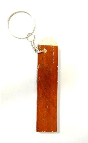 【ペルー民芸品のキーホルダー】ミニチュア 縦笛タルカ TARKA(四角いケーナ)の付いたキーホルダー 木製 1個
