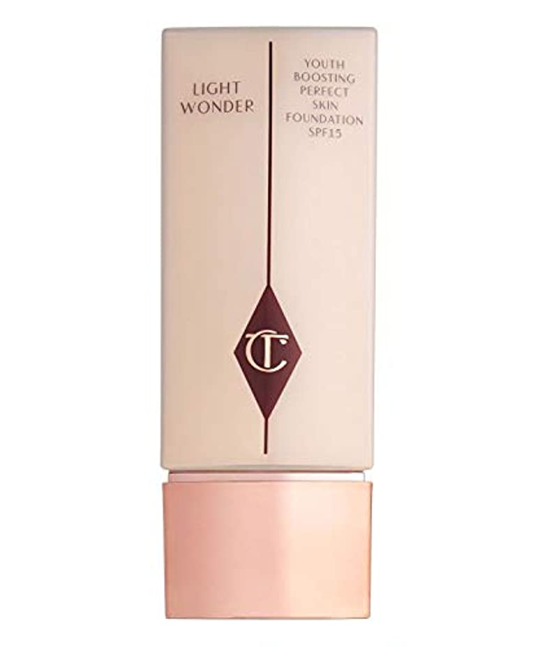 絶望土砂降りレビュアーCHARLOTTE TILBURY Light Wonder foundation SPF 15 , Fair 01 by CHARLOTTE TILBURY