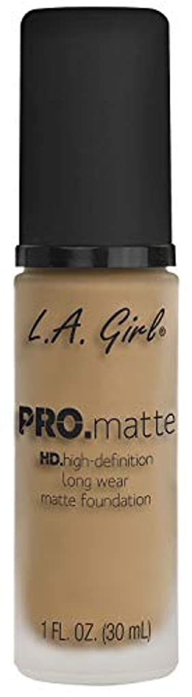 地殻流行ウィスキーL.A. GIRL Pro Matte Foundation - Sandy Beige (並行輸入品)