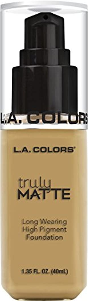 報酬服を着るリークL.A. COLORS Truly Matte Foundation - Nude (並行輸入品)