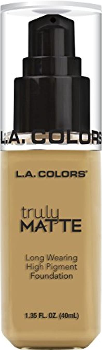 欲求不満コンパクトレンダーL.A. COLORS Truly Matte Foundation - Nude (並行輸入品)