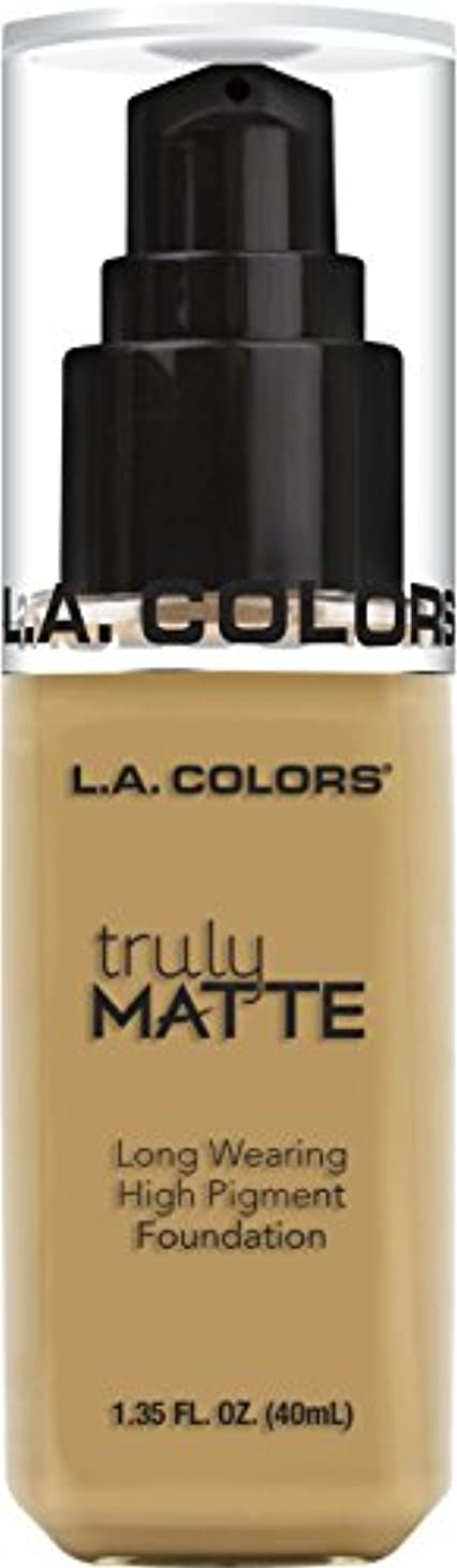 フィヨルドスケート急速なL.A. COLORS Truly Matte Foundation - Nude (並行輸入品)