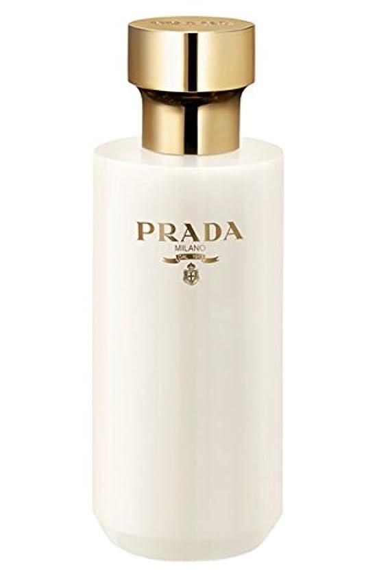 独創的気候の山お互いLa Femme Prada (ラ フェム プラダ) 6.7 oz (200ml) Shower Cream for Women