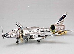 1/32 米空軍 F-100D スーパーセイバー