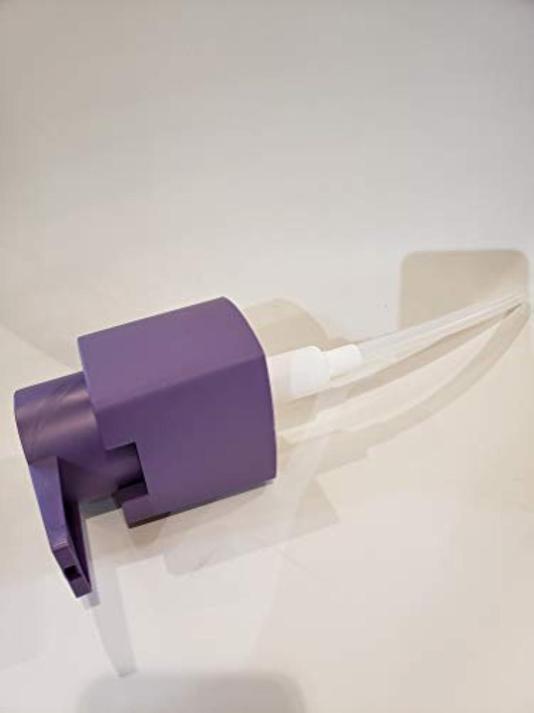 比較的きらめき写真を撮るウエラ SP リペア シャンプー 1000ml専用ポンプ