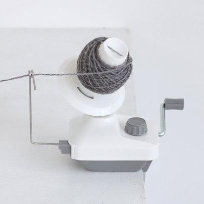 ダルマ 編み物用具 玉巻き器 グレー 8749