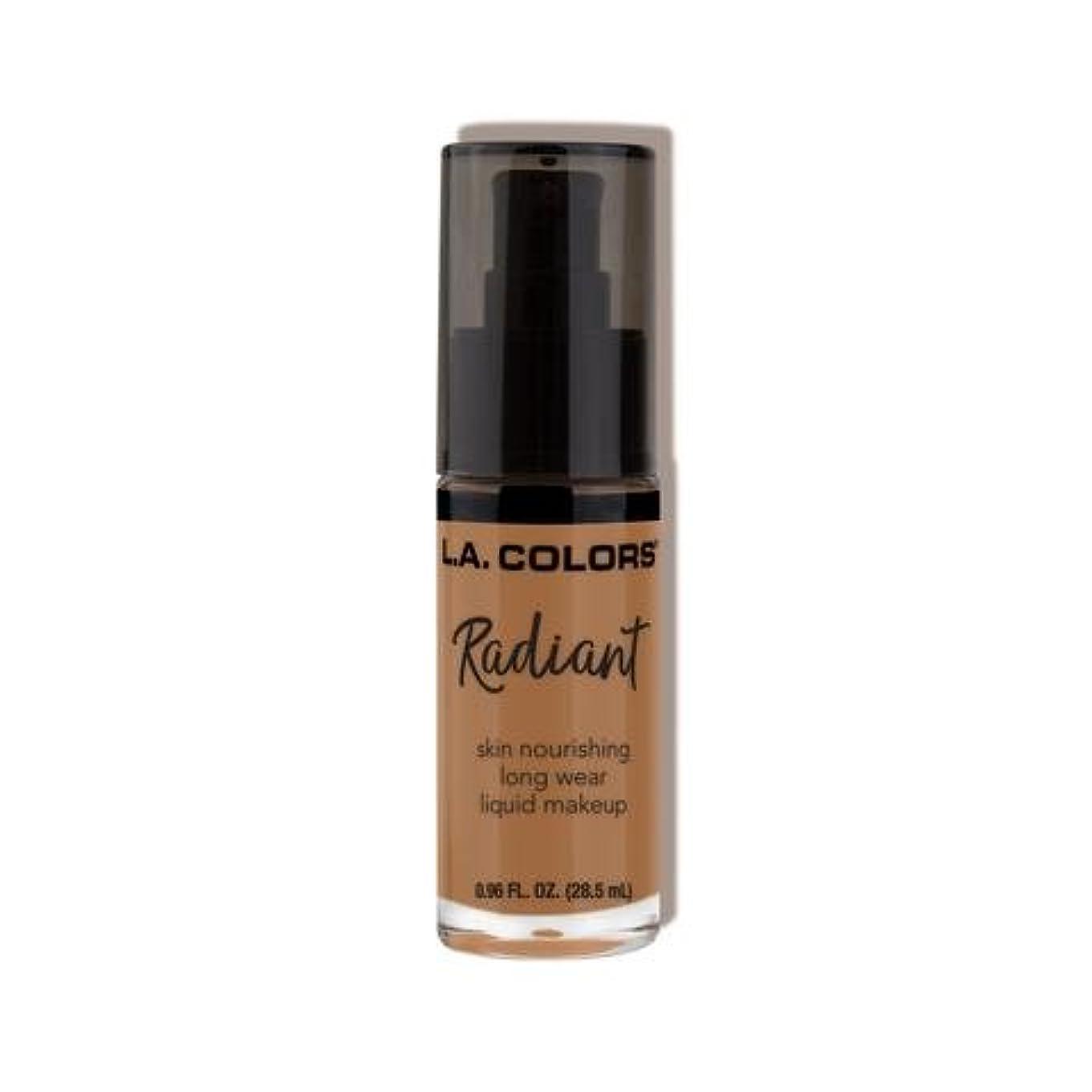 に向けて出発スペイン章(3 Pack) L.A. COLORS Radiant Liquid Makeup - Chestnut (並行輸入品)