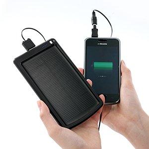 iPhone/スマホ/携帯電話/PSP/DSを充電できるソーラーバッテリ充電器「700-BTS001」