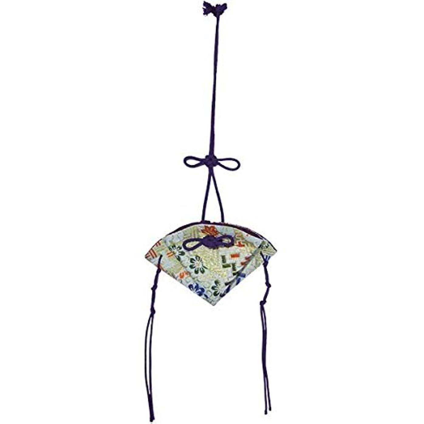 気体の保有者からに変化する掛香 扇 錦 白(紫紐)