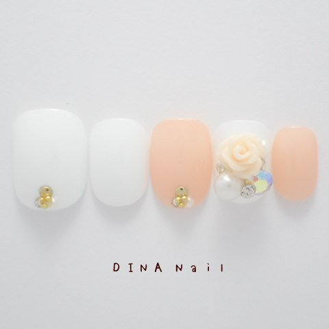 DINAネイル  白ベージュ薔薇パーツ レギュラーオーバルLL(03246番) ネイルチップ