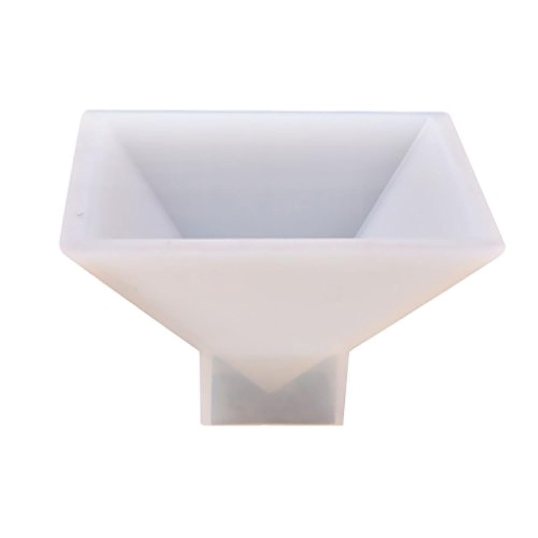 Perfk DIYシリコンモールド ピラミッド形状 樹脂装飾 手芸モールド 約9.5x9.5x6cm