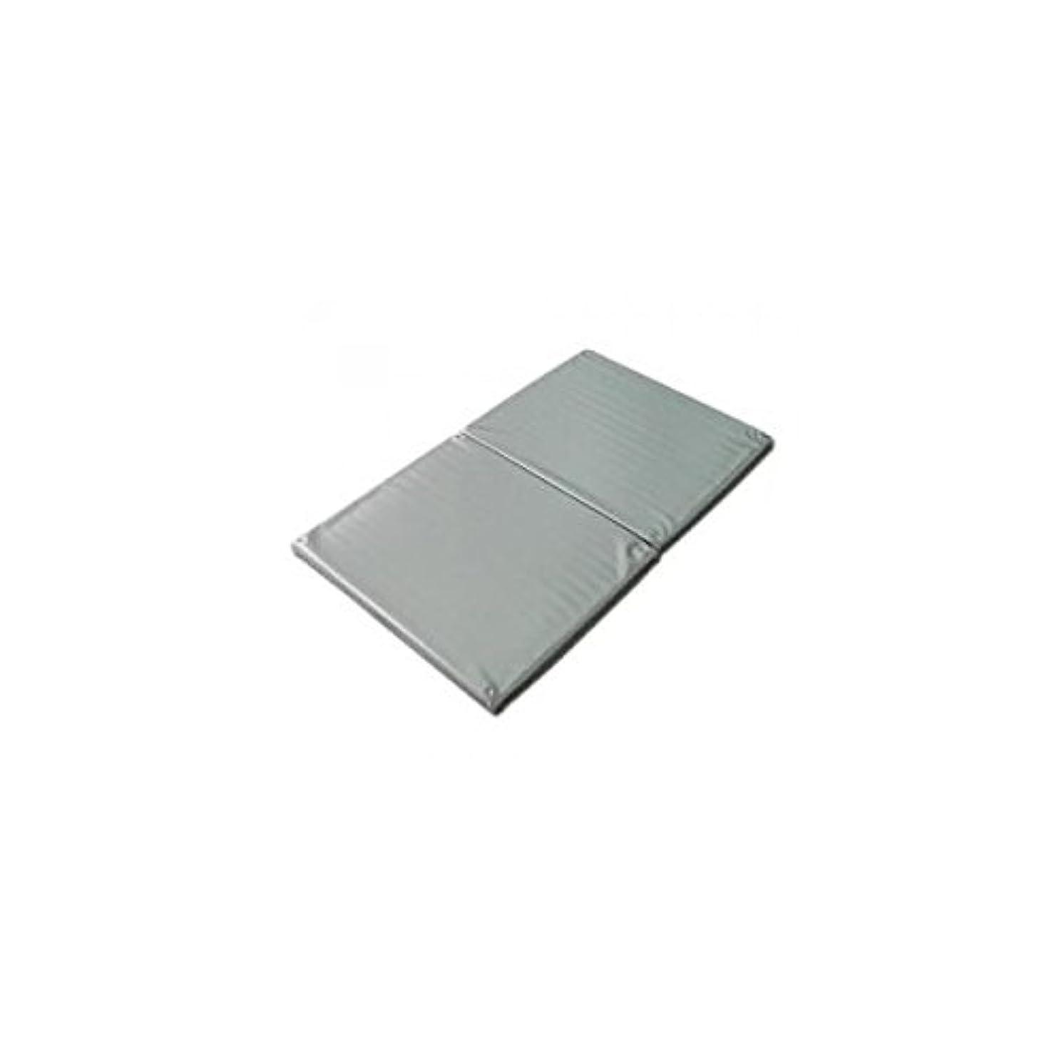 破滅謝るエーカーヨックお風呂のマッサージ用マットP(2ツ折)シルバー 120×70cm│防水マッサージマット ポリエチレン製