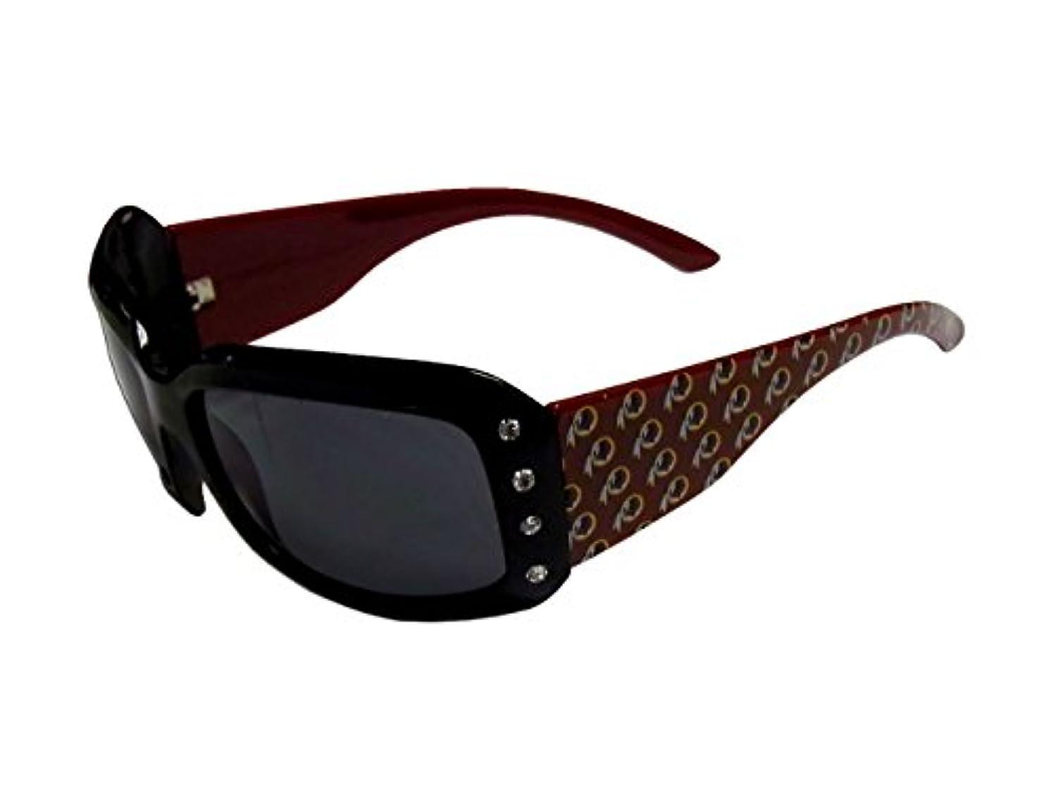 小麦腸混乱させるSiskiyou Sports FSG135W Redskins Designer Sunglasses with Rhinestones