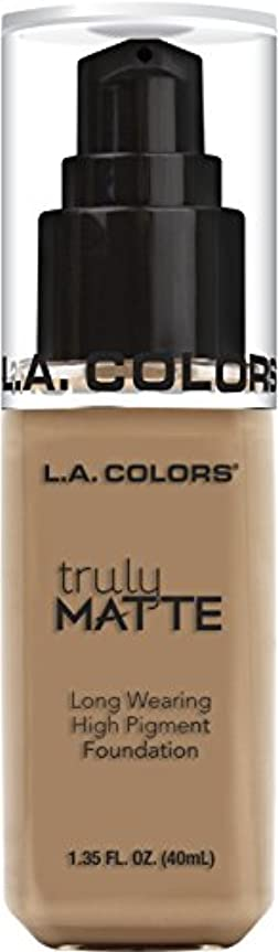 谷しない舌L.A. COLORS Truly Matte Foundation - Sand (並行輸入品)