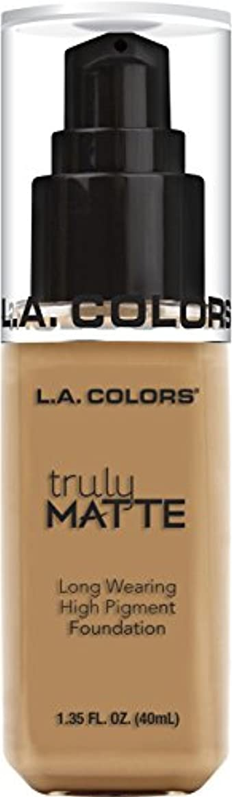 血解決発掘L.A. COLORS Truly Matte Foundation - Warm Honey (並行輸入品)