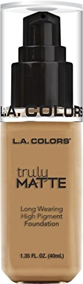 骨折とにかく負L.A. COLORS Truly Matte Foundation - Warm Honey (並行輸入品)