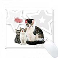 卒業式帽子に子猫と羽毛を持つ母親の猫 PC Mouse Pad パソコン マウスパッド