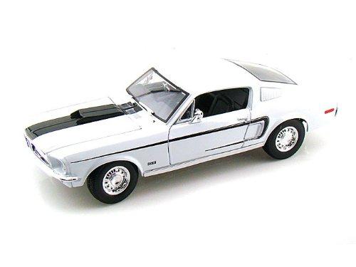 Maisto (マイスト) 1968 Ford (フォード) Mustang (マスタング) GT Cobra Jet Fastback 1/18 White MA31167-WH ミニカー ダイキャスト 自動車 (並行輸入)
