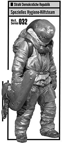 マシーネンクリーガー Ma.K.032 SDR Spezielles Hygiene-Hilfsteam(特殊衛生救護班フィギュア) 1/20 組立キット