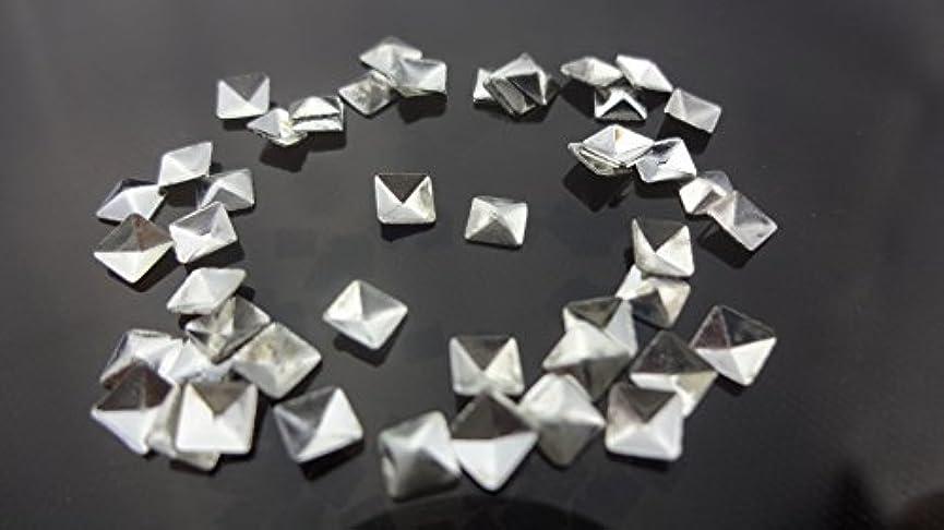 賄賂任命予約【HARU雑貨】メタルスタッズ スクエア 四角 ピラミッド型 10個/ネイル パーツ デコ アクセサリー (3.5mm, シルバー)