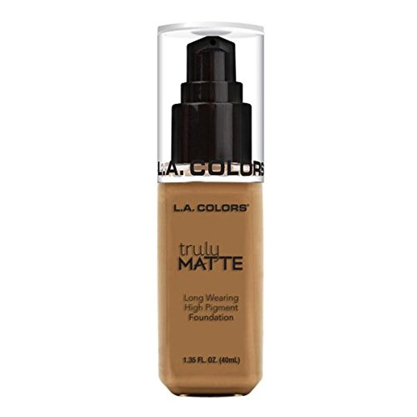 掘るおじいちゃん振る(6 Pack) L.A. COLORS Truly Matte Foundation - Warm Caramel (並行輸入品)