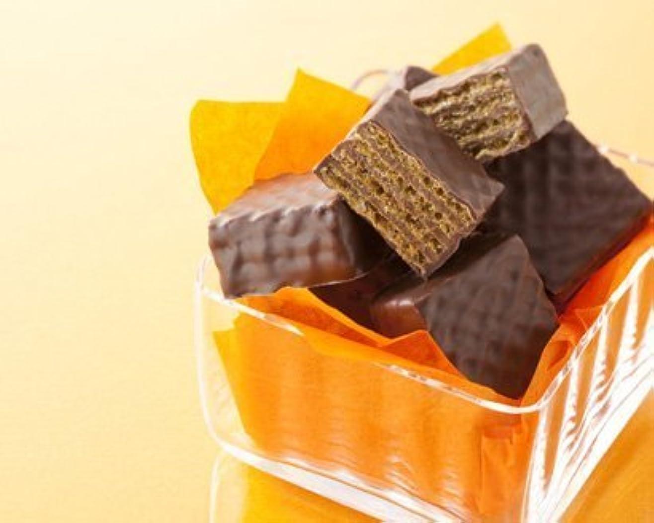 嫌がる作家がんばり続けるROYCE'(ロイズ) チョコレートウエハース(ヘーゼルクリーム) 12個