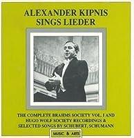 Sings German Leider