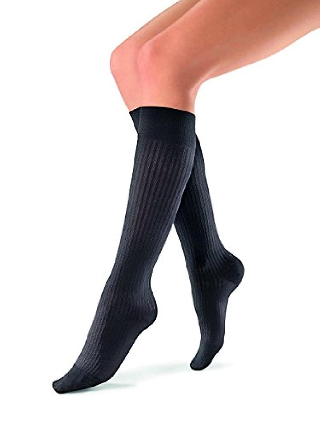 リア王アシスタント白内障Jobst soSoft Women Ribbed Knee Highs 20-30mmHg, L, Black by Jobst