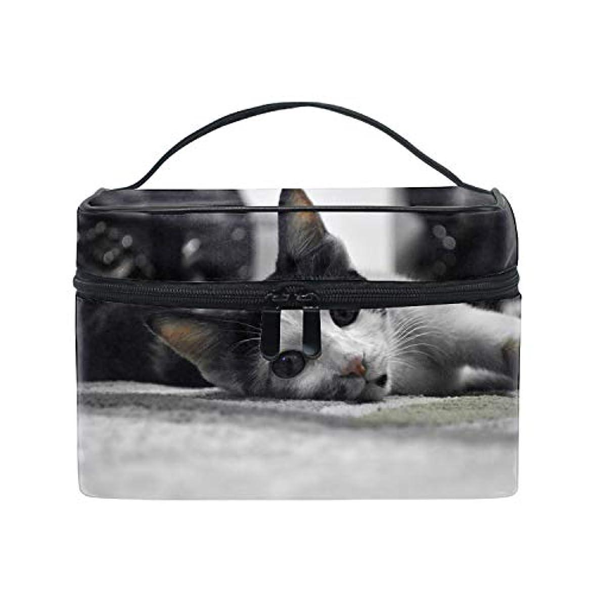 後方にジャンピングジャック公平な猫ブラックホワイトペット動物顔コスメ 化粧 洗面 旅行 出張 ホワイトデー お返し ギフト