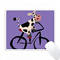 おかしい黒と白の牛乗馬自転車 PC Mouse Pad パソコン マウスパッド