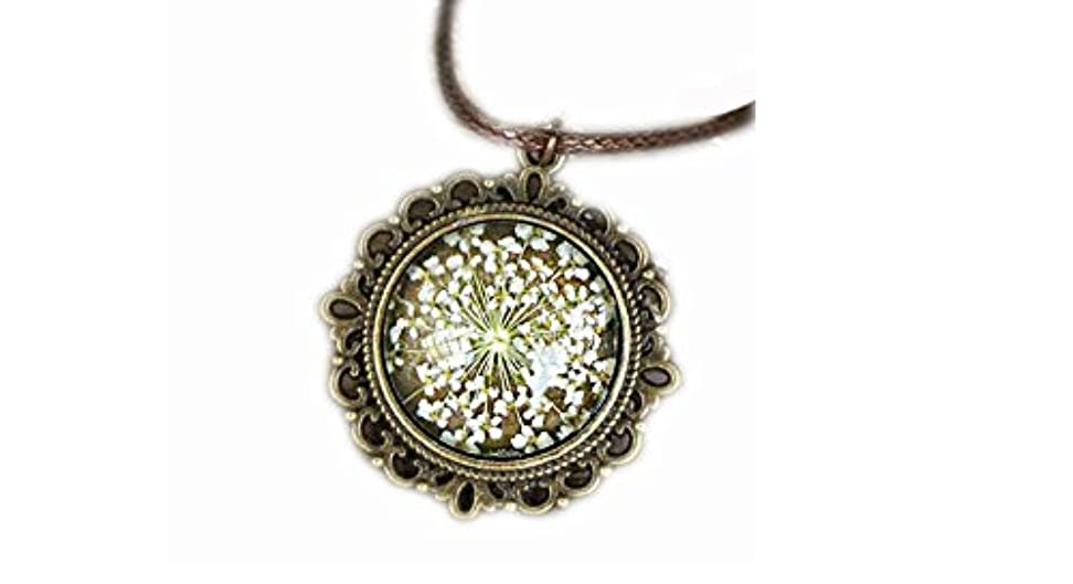 突破口悪化させるベール美しいネックレス乾燥した花の特別なデザイン2個