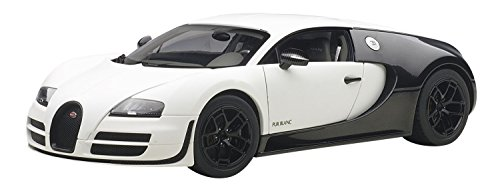 AUTOart 1/18 ブガッティ ヴェイロン スーパースポーツ ピュール・ブラン ホワイト/ブラック 完成品