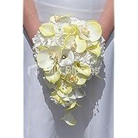 ゴージャスなブライダルBouquet with White Roses &イエローCalla Lilies