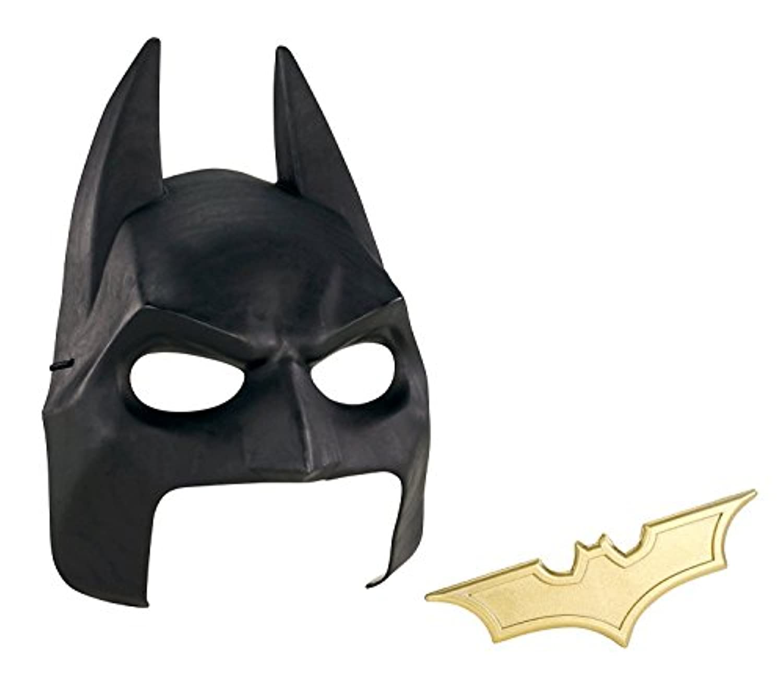 Batman The Dark Knight Rises Cowl and Batarang Role Playset [並行輸入品]