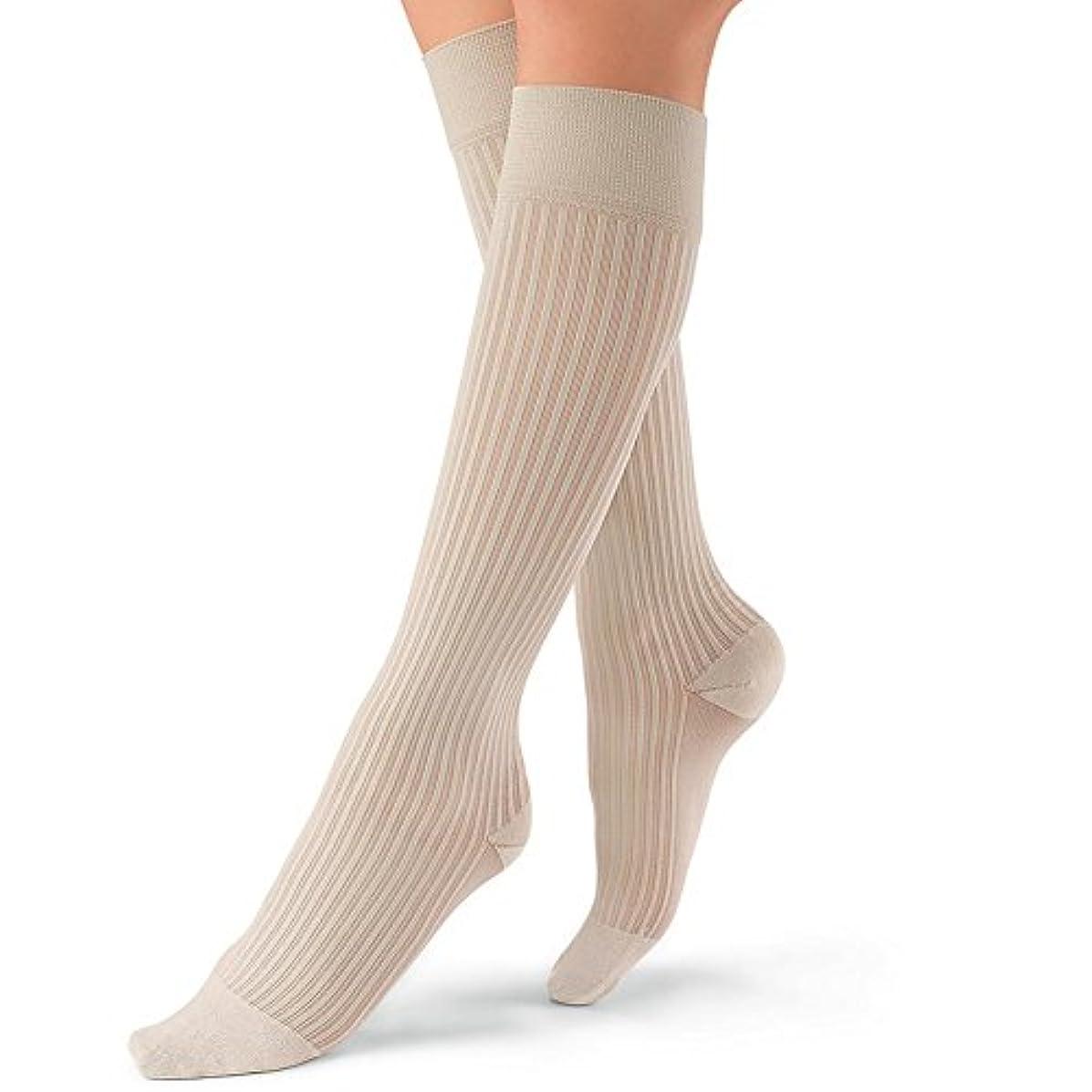 叫ぶテナント海嶺Jobst soSoft Women Ribbed Knee Highs 20-30mmHg, L, Sand by Jobst