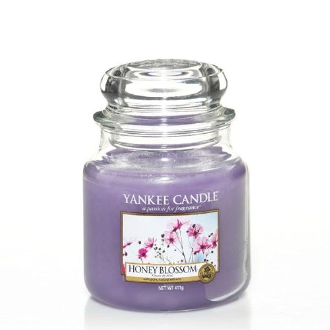 に渡ってウィンク顕著YankeeキャンドルMedium Jar Candle – Honey Blossom