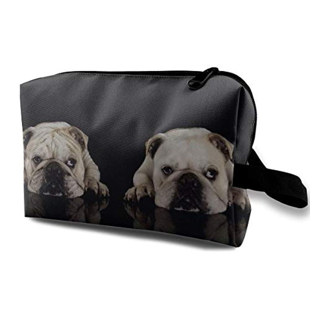 エンゲージメントプットするTwo Cute Bull Dog 収納ポーチ 化粧ポーチ 大容量 軽量 耐久性 ハンドル付持ち運び便利。入れ 自宅?出張?旅行?アウトドア撮影などに対応。メンズ レディース トラベルグッズ