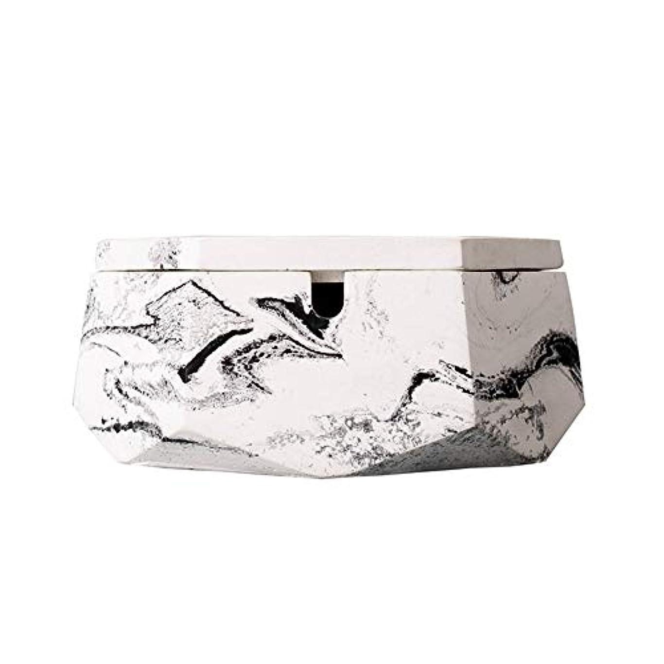 マトリックストレッドペルー灰皿、ふたが付いている新しさのステンレス鋼の現代卓上灰皿、屋内または屋外での使用のためのタバコの灰皿、喫煙者のための灰ホルダー、ホームオフィスの装飾のためのデスクトップの喫煙灰皿