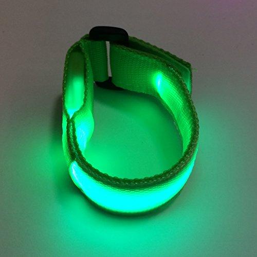 lewu 腕用 新型 USB 充電式 光る LED セーフティバンド 電池の買い替え不要 リストバンド 夜間 反射 ウォーキング (グリーン2個)