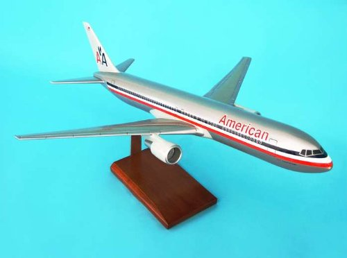 1: 100 エグゼクティブシリーズ アメリカン 航空 ボーイング 767-300 with Wooden Base (並行輸入)