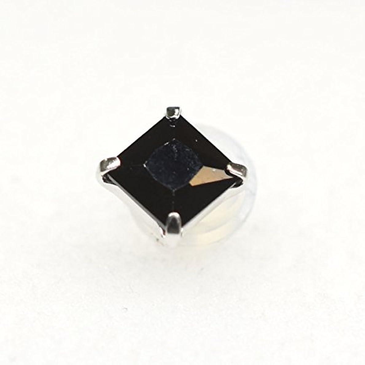 クロス誤ネストK14WG 角4本爪 片耳 メンズピアス 4mmBLキュービック