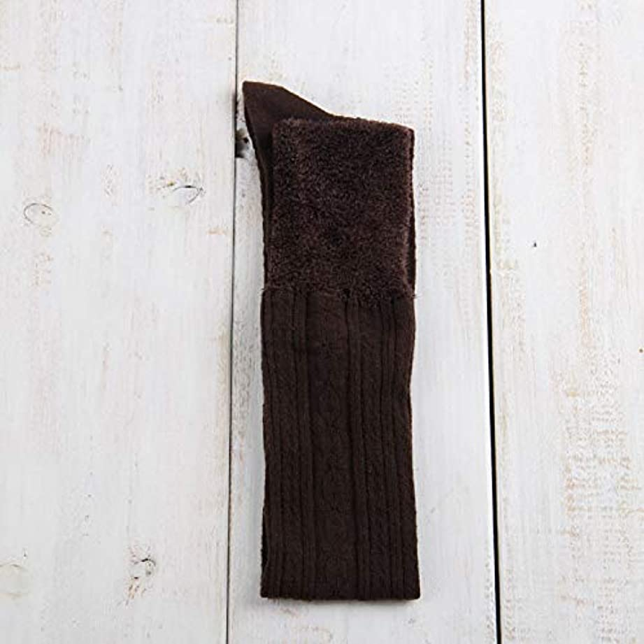 怠感誤解する元気ニーソックスオーバー女性の冬の厚く暖かい綿のステッチ太ももの靴下は膝の縦縞は薄いニットストッキングでした