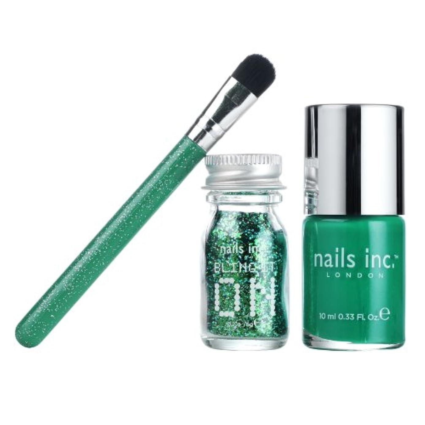 手錠ビタミンデイジーNails Bling it on Emerald Collection