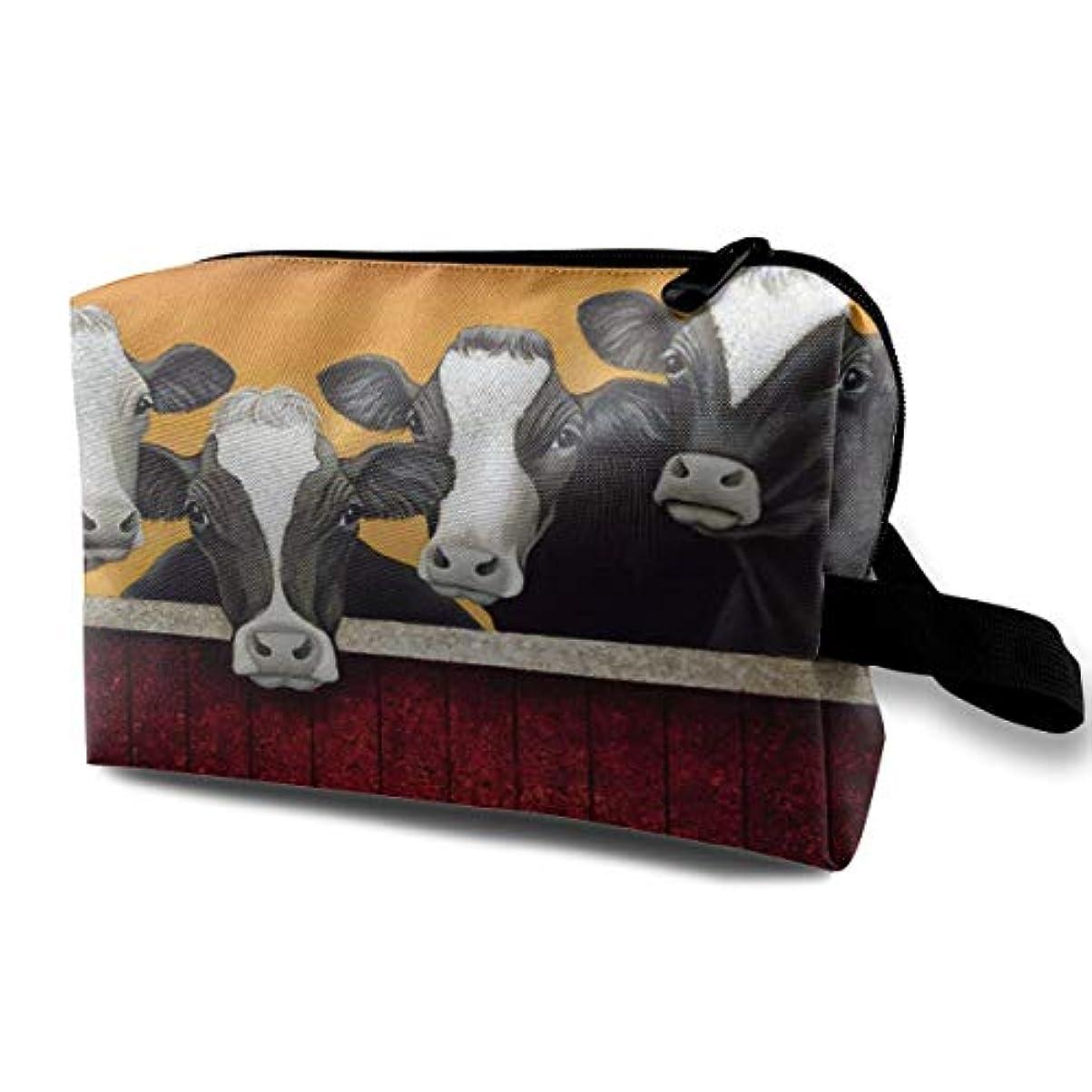 滑るヒント行商Funny Milk Cow 収納ポーチ 化粧ポーチ 大容量 軽量 耐久性 ハンドル付持ち運び便利。入れ 自宅?出張?旅行?アウトドア撮影などに対応。メンズ レディース トラベルグッズ