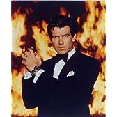 ブロマイド写真★『007ゴールデン・アイ』ピアース・ブロスナン/炎バック/ジェームズ・ボンド